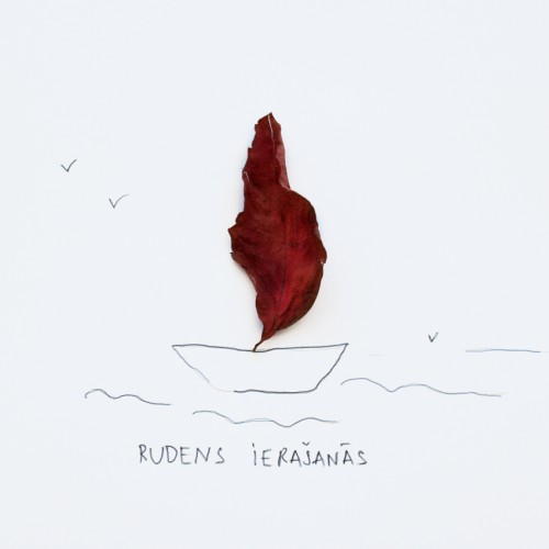 Un tad ieradīsies Rudens laivā ar sarkanu buru, smeldzei vējojot, lietum no rīta rasinot, tev aiz loga tējojot.